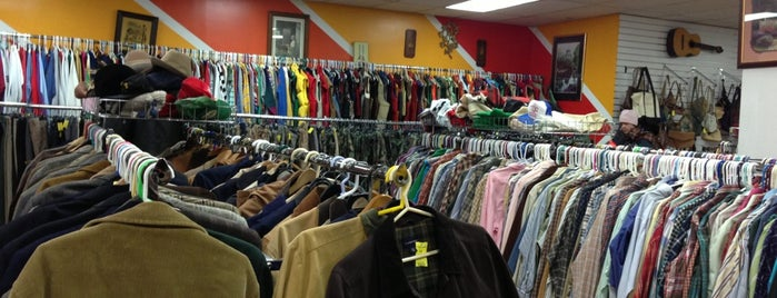Vice Versa Vintage is one of Brooklyn Thrifting.