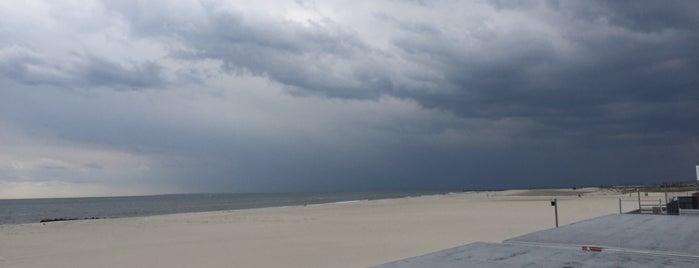 Atlantic Beach Boardwalk is one of NYC SCENERY by the water.