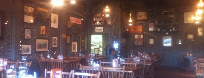 Cracker Barrel Old Country Store is one of Favorite Restaurants.