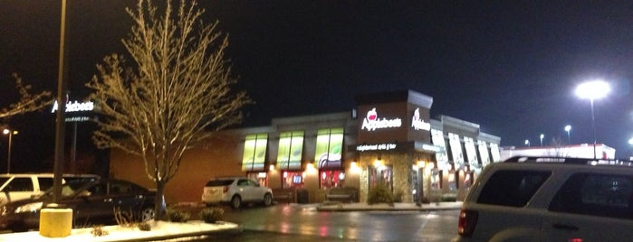 Applebee's Grill + Bar is one of Eateries.