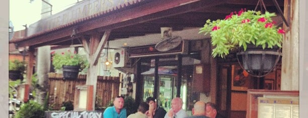 The Plumbers Arms is one of Bali nice places.