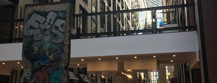 Centre de Commerce Mondial is one of Places 2 visit.