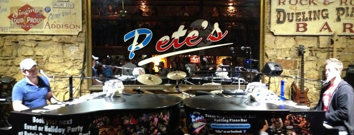 Pete's Dueling Piano Bar is one of Hook 'Em Horns- Austin.