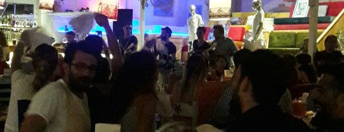 Şey Beach Lounge is one of Sahil kasabalarında ne yesek ne içsek?.