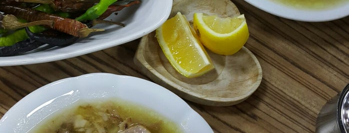 Esnaf Lokantası Mahmut Usta is one of İZMİR EATING AND DRINKING GUIDE.
