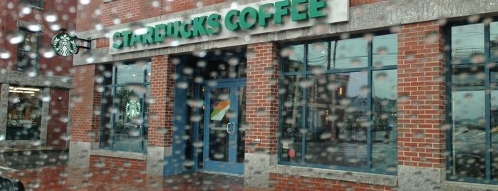 Starbucks is one of The 15 Best Places with Good Service in Portland.