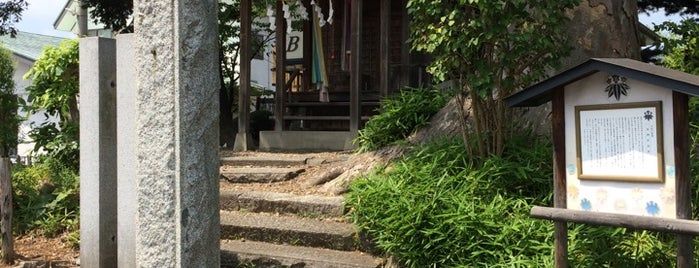泉神社 is one of Shinto shrine in Morioka.