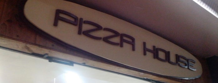 Pizza House is one of Rio - Restaurantes.