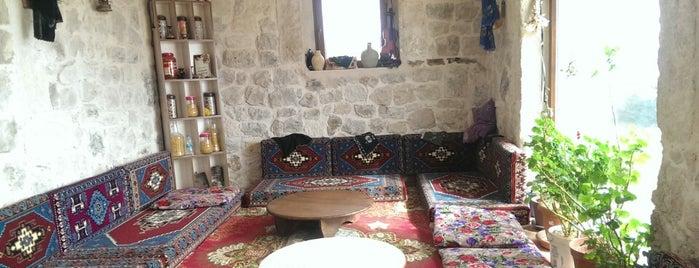 Ucasar Sofrası is one of Kapadokya.