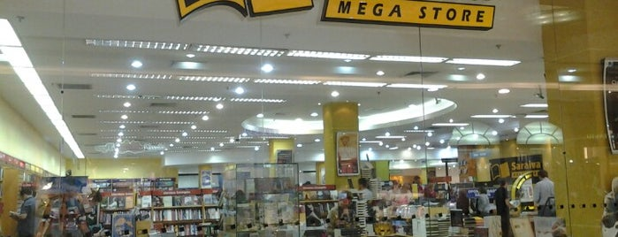 Saraiva MegaStore is one of Shopping Anália Franco.