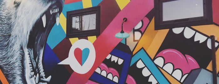 Abbott Kinney Mural is one of Los Angeles Lifestyle Guide.