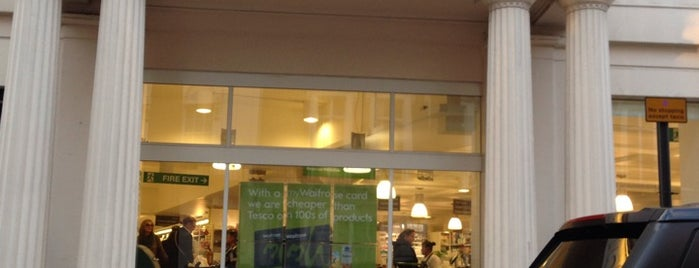 Waitrose is one of Supers londres.