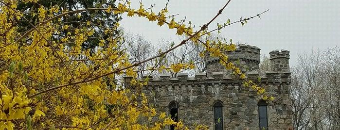 Winnekinni Castle is one of Haverhill.