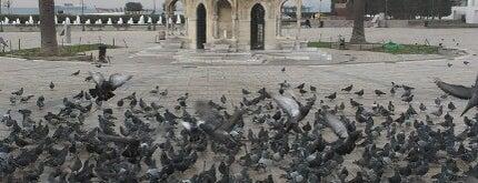 Konak Meydanı is one of Ölmeden Önce Gidilecek Yerler.