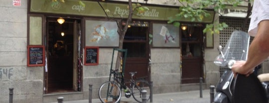 Café Pepe Botella is one of Madrid: Comer y beber..
