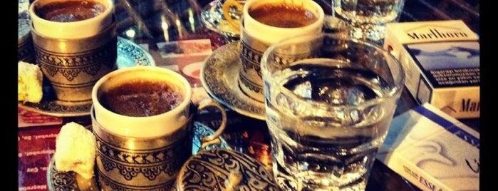 Şehzade Cafe is one of Istanbul Shesha.