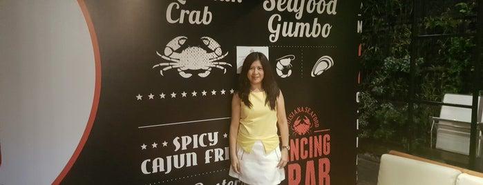 Dancing Crab is one of Bandung Kuliner.