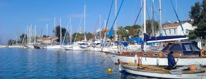 Eski Foça Marina is one of Özledikçe gideyim - Tatil.