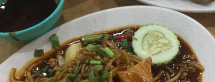 Restoran Seri Budi Tomyam and Seafood is one of My hangout in Terengganu.