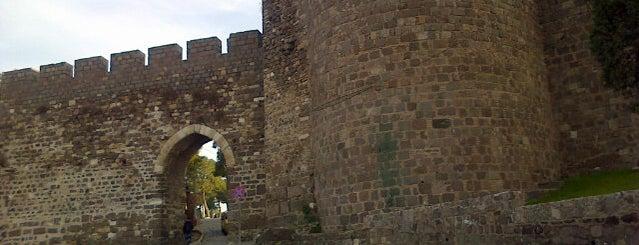 Kadifekale is one of Özledikçe gideyim - İzmir.