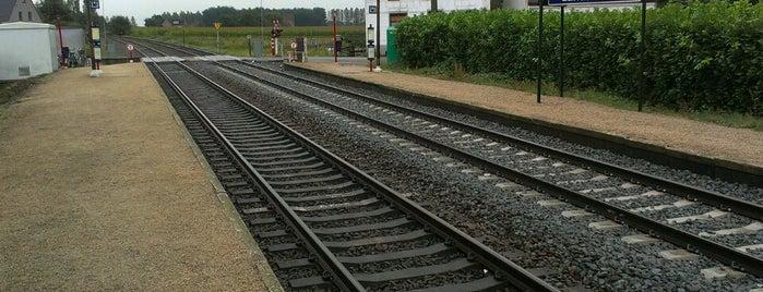Station Landskouter is one of Bijna alle treinstations in Vlaanderen.