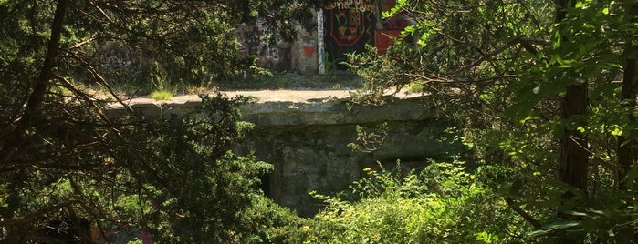 Fort Wetherill State Park is one of Chuck's Vacay.