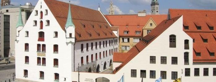 Münchner Stadtmuseum is one of #Munich_Museum.