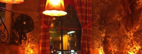 Tapas & Papas is one of Restaurantes (Grande Porto).