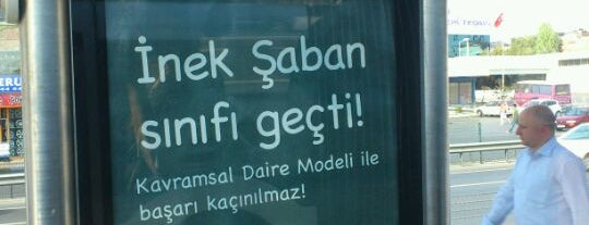 Cennet Mahallesi Metrobüs Durağı is one of Metrobüs Durakları.