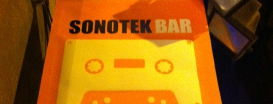 Sonotek Bar is one of Con Gracia.