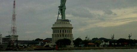 Monumen Jalesveva Jayamahe (MONJAYA) is one of Sparkling Surabaya.