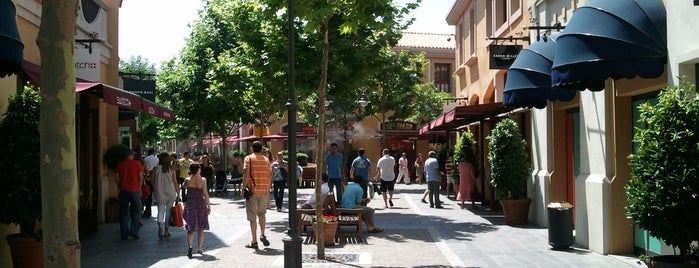 Las Rozas Village is one of Chic Outlet Shopping Villages.