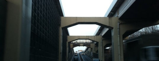 高島平出入口 is one of 高速道路.