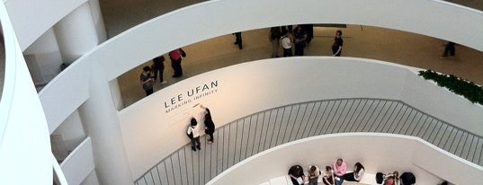 Solomon R Guggenheim Museum is one of Weekend Chill - Been Meaning to Do....
