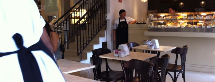 Benjamin A Padaria is one of Henri's TOP Coffee Shops.
