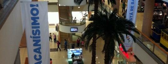 La Gran Plaza Fashion Mall is one of Los Mejores Centros Comerciales de Guadalajara.