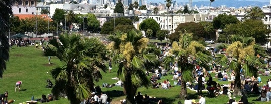 Mission Dolores Park is one of San Francisco musts.