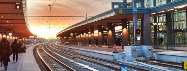 Uppsala Central Station (QYX) is one of SE - Sthlm - Pendeltåg.