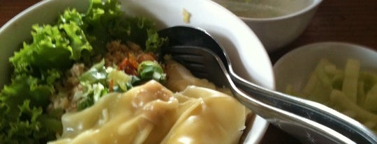 Hot CMM - Cwie Mie Malang is one of Guide to Jakarta Selatan's best spots.