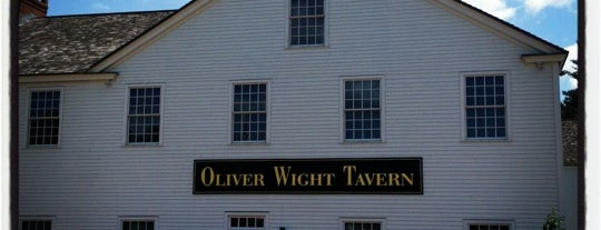 Oliver  Wight Tavern is one of WOOCard Venues.