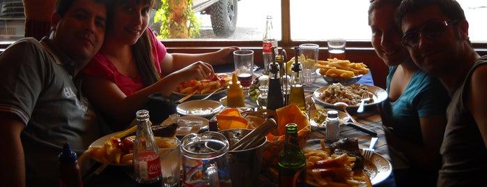 Juan y Medio is one of Bares, restaurantes y otros....