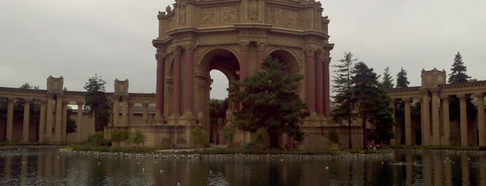 Palace of Fine Arts is one of Must-visit Parks in San Francisco.