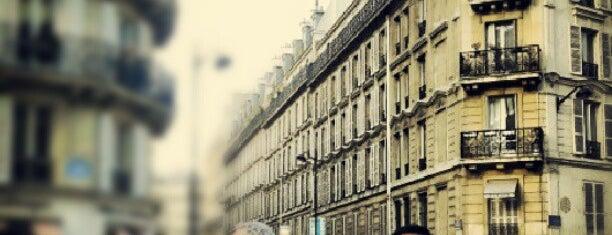 Café de l'Avenue is one of Paris.