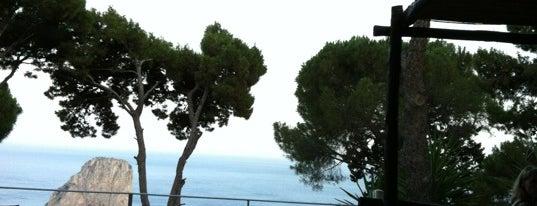 Il Geranio is one of Travel Guide to Amalfi Coast.