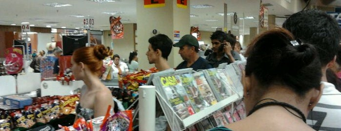 Nacional Supermercados is one of Lugares que já dei checkin.