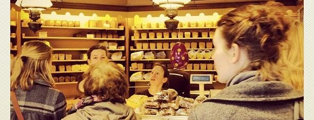 Hartog's Volkoren Bakkerij is one of Old Amsterdam.