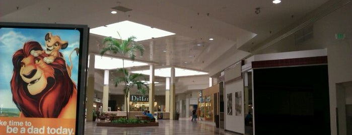 Lakeland Square Mall is one of Lakeland.