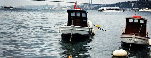 Tarihi Çınaraltı Aile Çay Bahçesi is one of İstanblue.