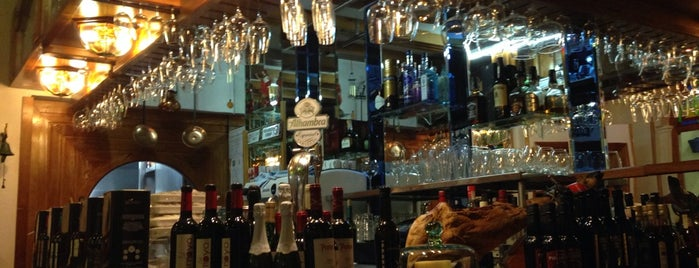 Cafe Taberna Luque is one of Donde comer en cordoba.