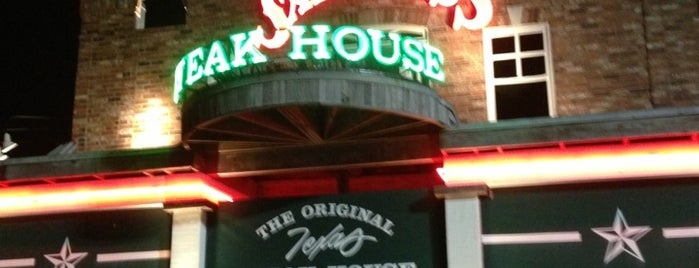 Saltgrass Steak House is one of Houston Good Foods.